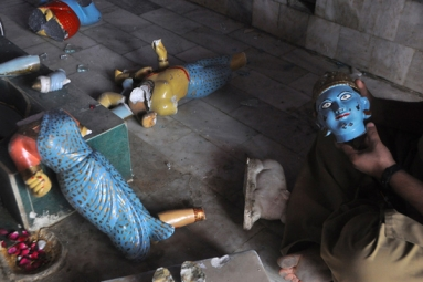 Hindu temple vandalized in Pakistan